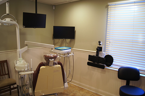 Interior view of dental exam room with Dr. Wendy Sanger DMD, in Warren, NJ